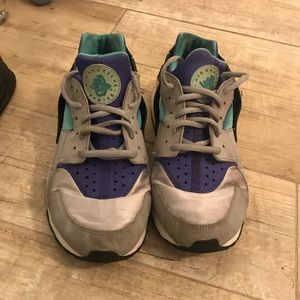 huaraches ( shoes )